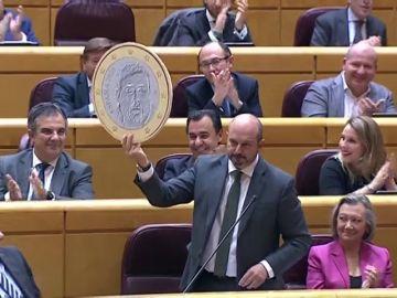 Senado: entre el 'dumping fiscal', el adoquín de Rivera y el euro de Junqueras