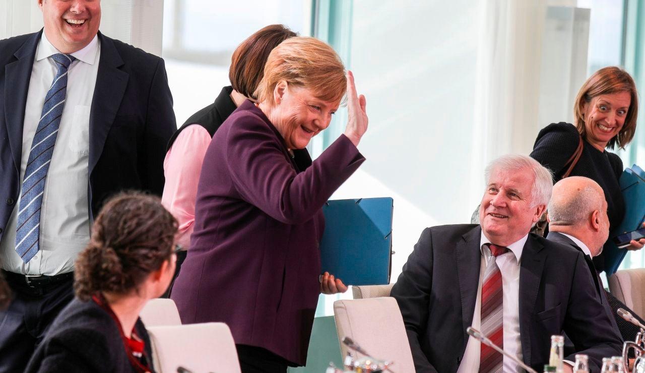 Merkel y sus ministros han dejado de estrecharse la mano