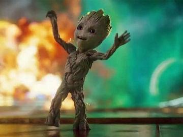 Baby Groot es pura felicidad ahora que ha conocido a Baby Yoda