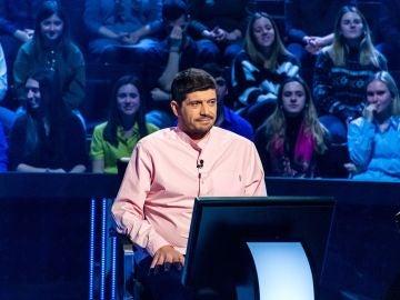 ¿Conexión entre 'Los Lobos'? Valentín inspira a Manu por los 10.000 euros de '¿Quién quiere ser millonario?'