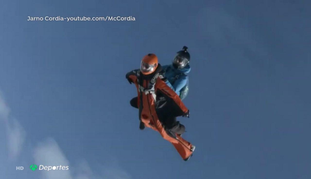 Jarno Cordia practicando 'wingsuit rodeo'