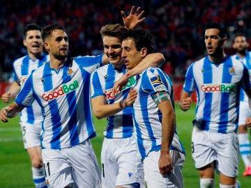 La Real Sociedad celebra el gol de Oyarzábal de penalti