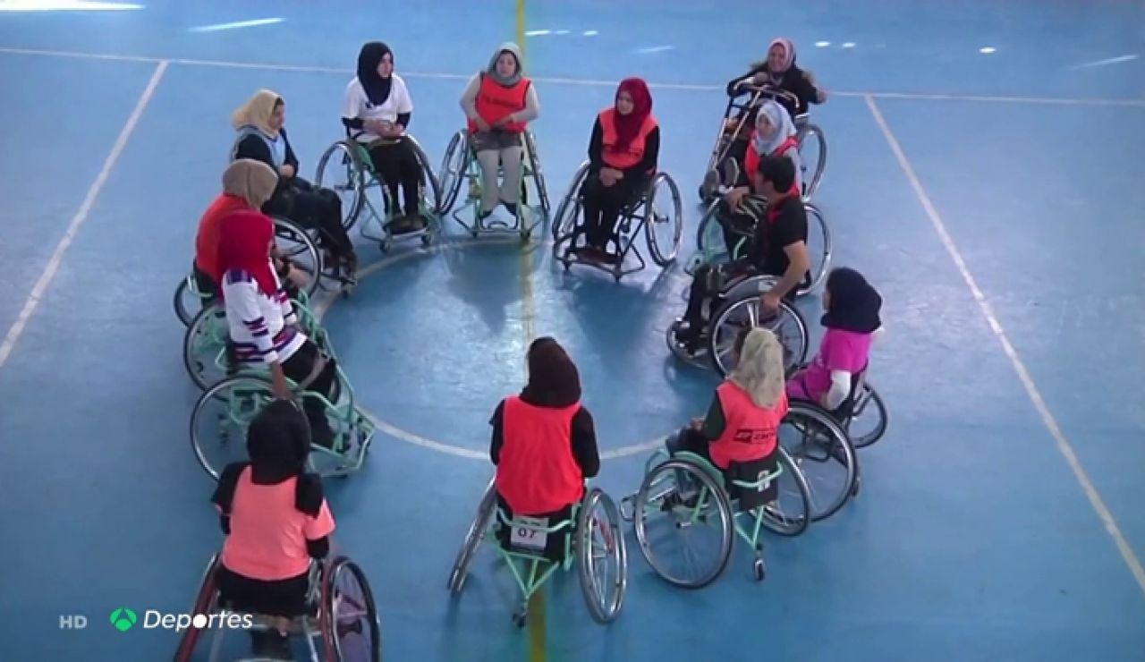 El baloncesto en silla de ruedas, un método de salvación en peligro para las mujeres discapacitadas en Afganistán