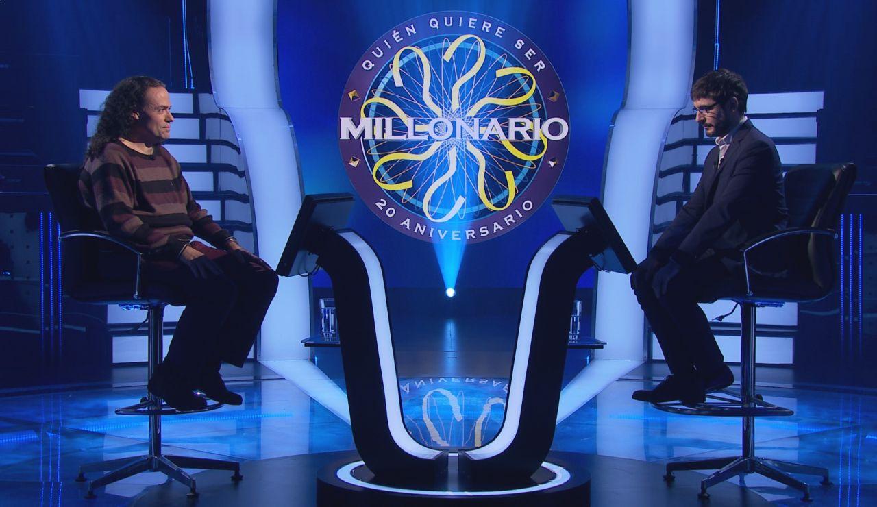 ¿Acertarías este dato sobre la selección española? El reto futbolístico de Víctor Castro en '¿Quién quiere ser millonario?'