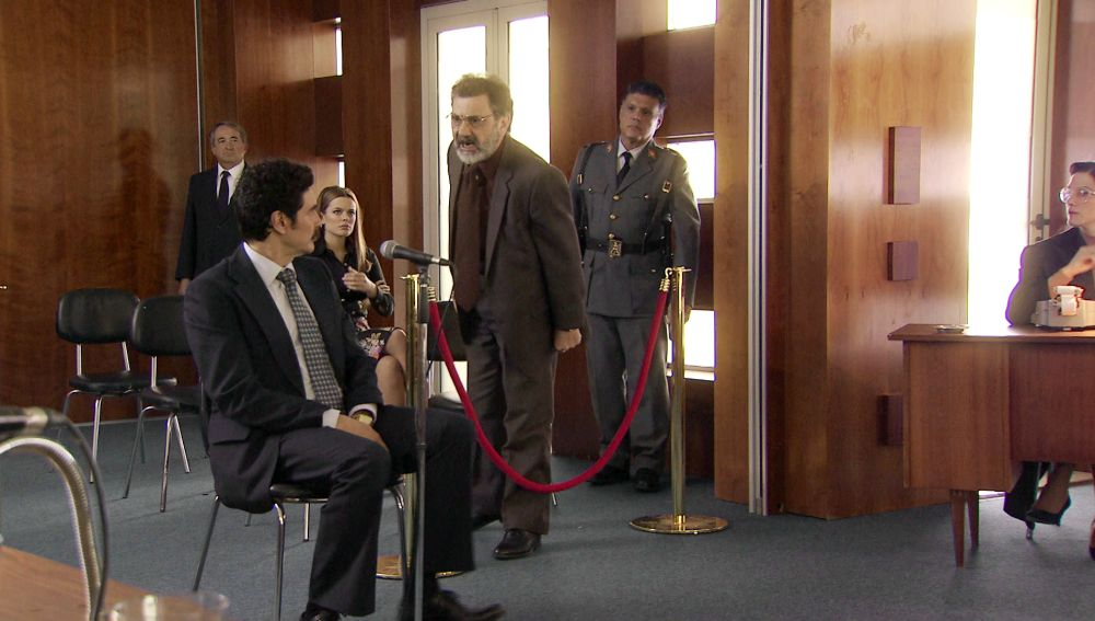 Armando traiciona a Valverde para conseguir la libertad