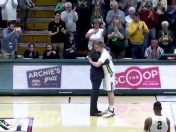 La increíble historia de superación de Josh Speidel, del coma a la liga universitaria de baloncesto