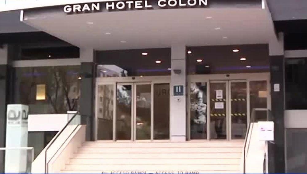 Entrada del Gran Hotel Colón