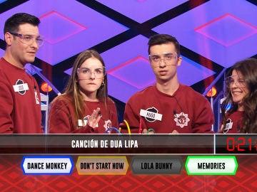 Dua Lipa anima el duelo entre 'Los personajes' y 'Los dispersos' en '¡Boom!'