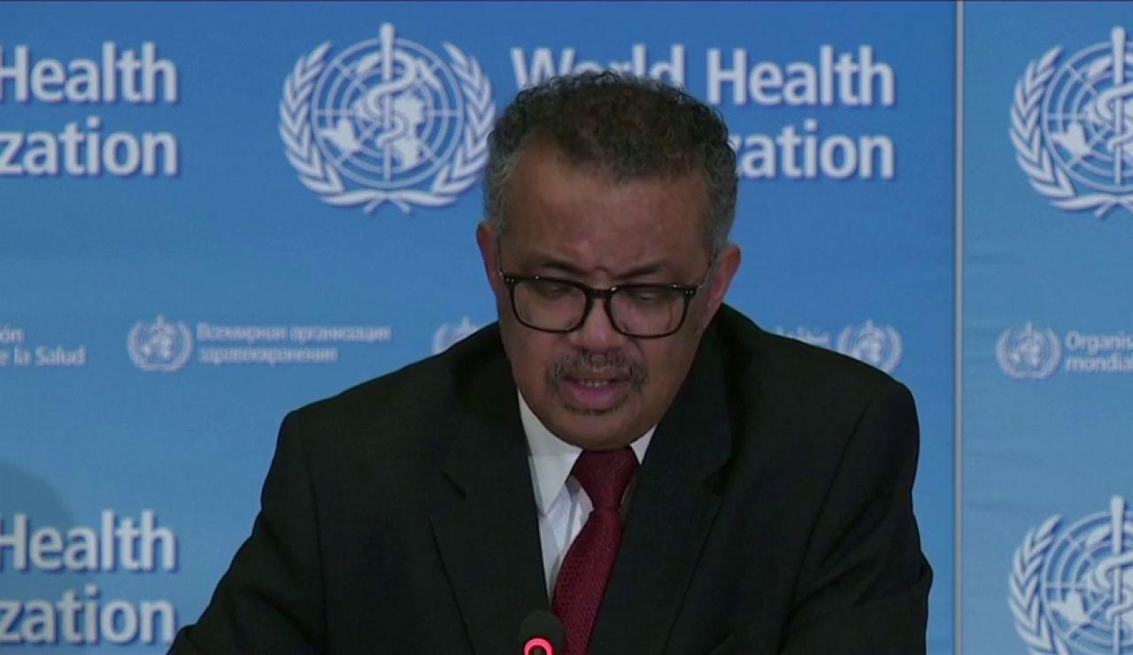 """La OMS advierte a los jóvenes de que no son """"invencibles"""" al coronavirus"""