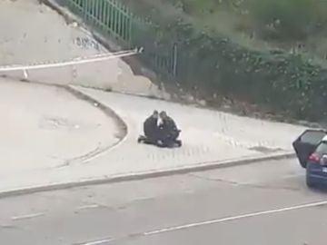 Detención de una runner en plena calle