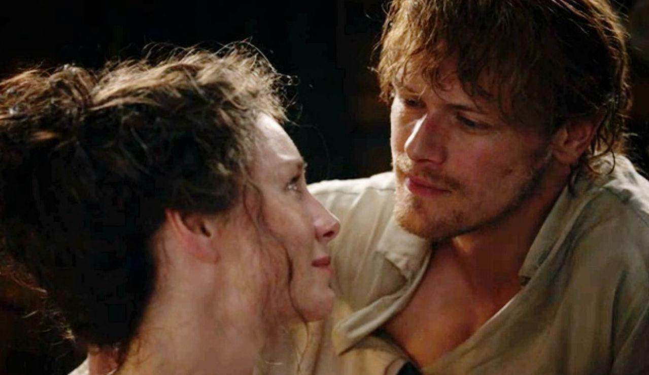 Caitriona Balfe y Sam Heughan como Claire y Jamie en 'Outlander'