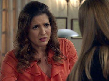 Lourdes descubre la relación de Irene con Armando