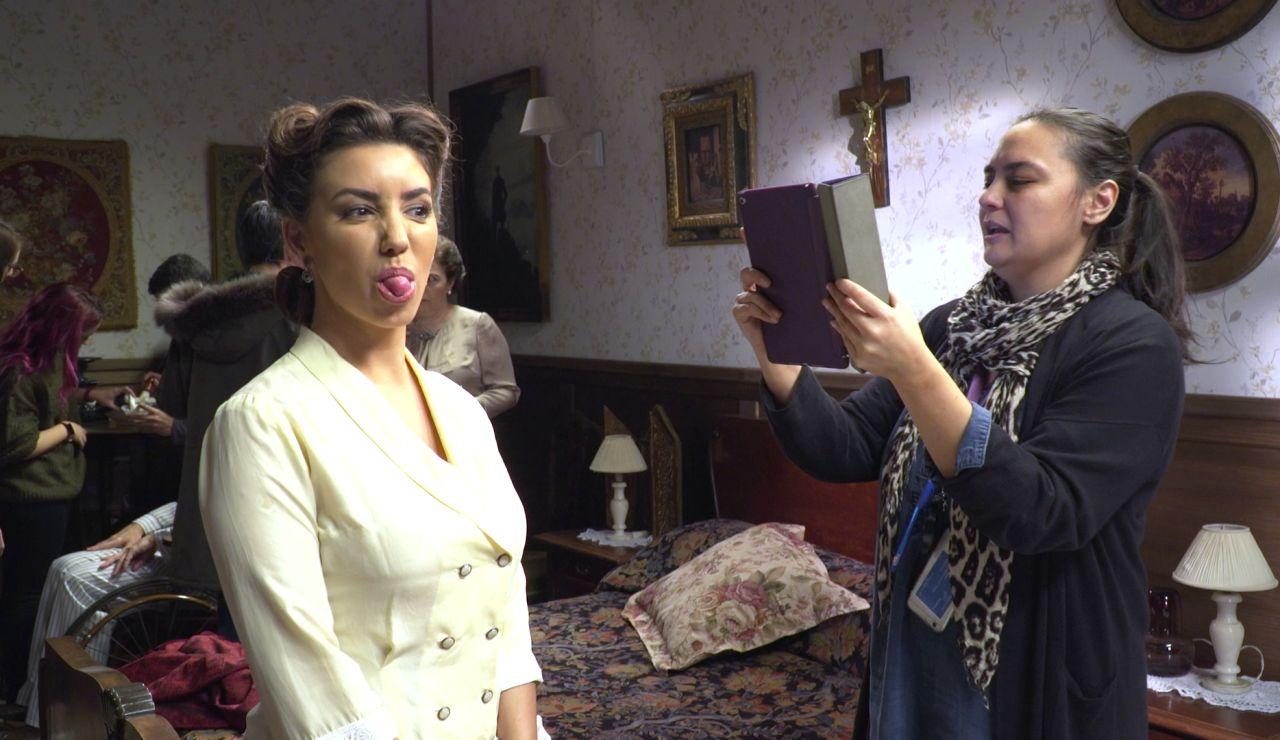 Nos colamos tras las cámaras en el regreso de Emilia Ulloa a 'El secreto de Puente Viejo'