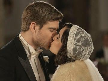 Disfruta del álbum de la romántica boda entre Rosa y Adolfo