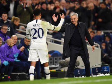 Dele Alli y José Mourinho