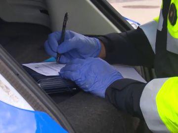 Antena 3 Noticias acompaña a la policía y comprueba el grado de incumplimiento del confinamiento en Santa Cruz de Tenerife