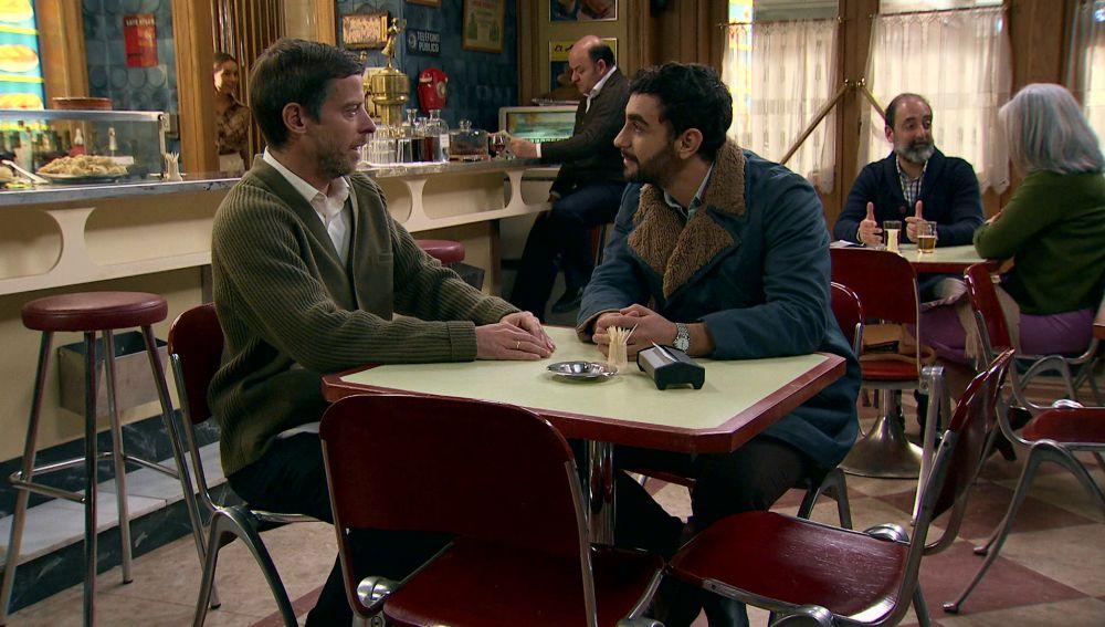 Marcelino trata de buscar afinidades con Sebas para mejorar su relación