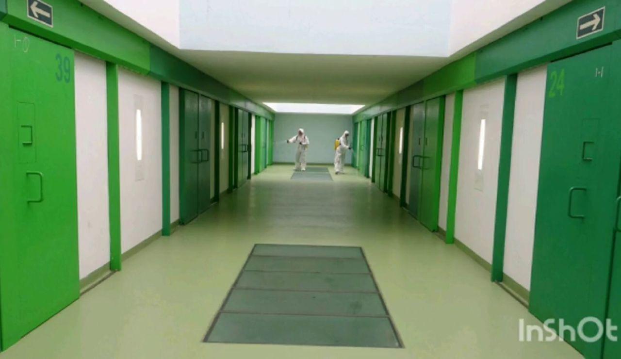 La UME empieza a desinfectar las cárceles después de que una presa falleciera y diera positivo en coronavirus