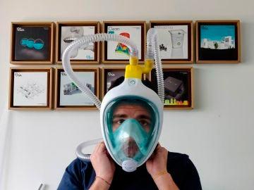 Máscara de buceo convertida en respirador