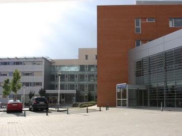 Imagen de la facha del Hospital Mancha Centro de Alcázar de San Juan