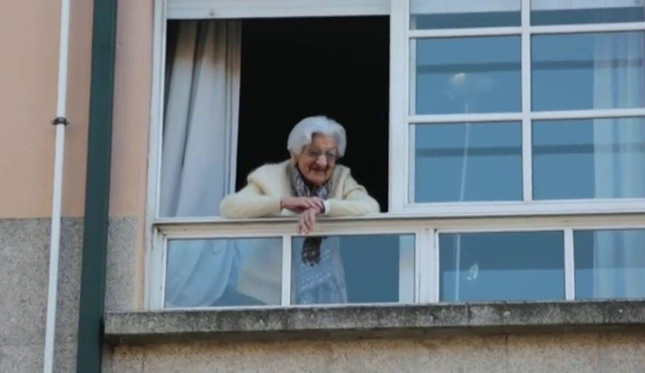 Lulú, la mujer que celebra sus 110 años confinada en su casa de Pontevedra por el coronavirus