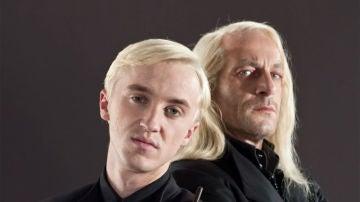 Tom Felton y Jason Isaacs como Draco y Lucius Malfoy