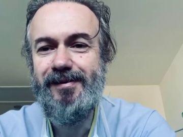 El actor Tristán Ulloa, uno de los curados de coronavirus