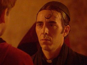 'El secreto de Puente Viejo': Don Filiberto recibe el bautismo de los arcángeles