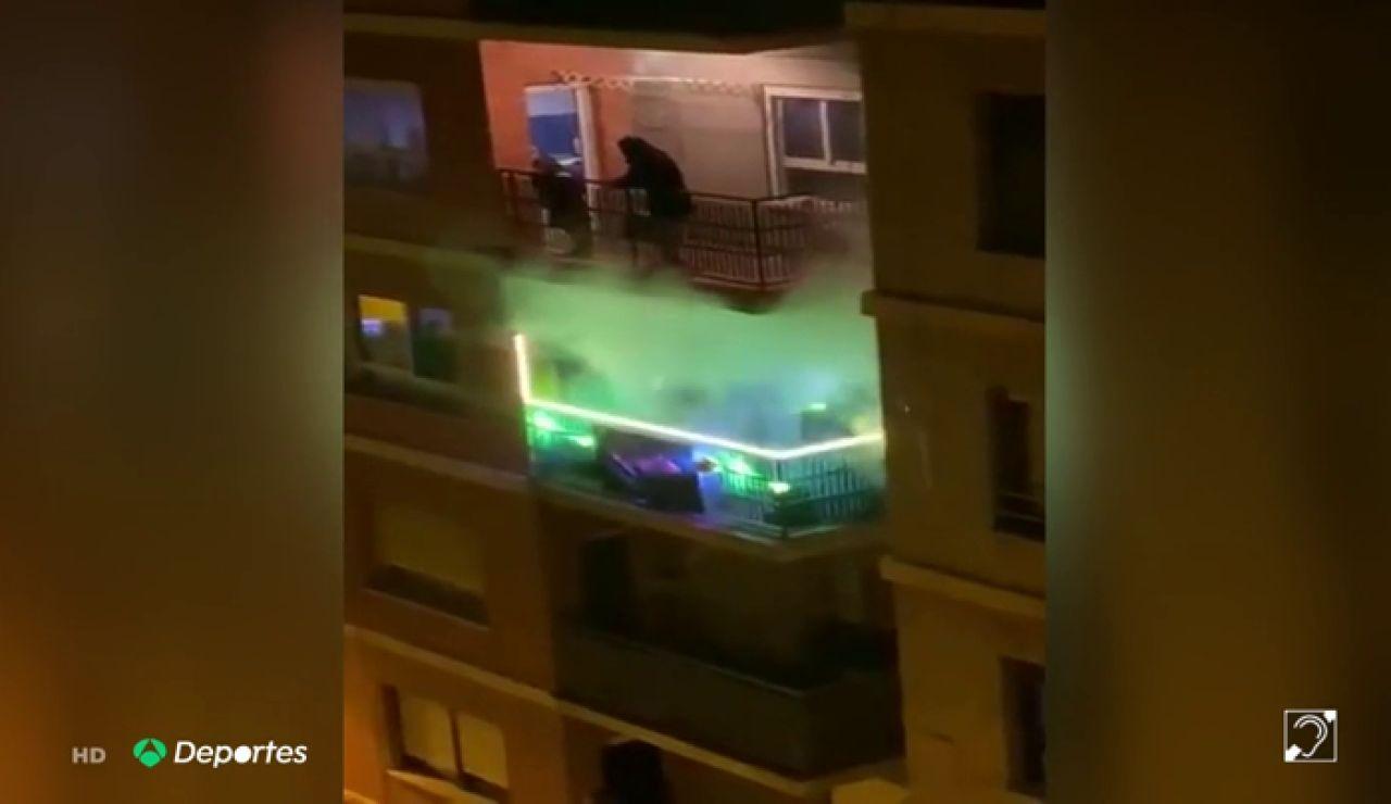 El 'tecno-balcón' que pincha el himno del Valencia en pleno confinamiento por el coronavirus