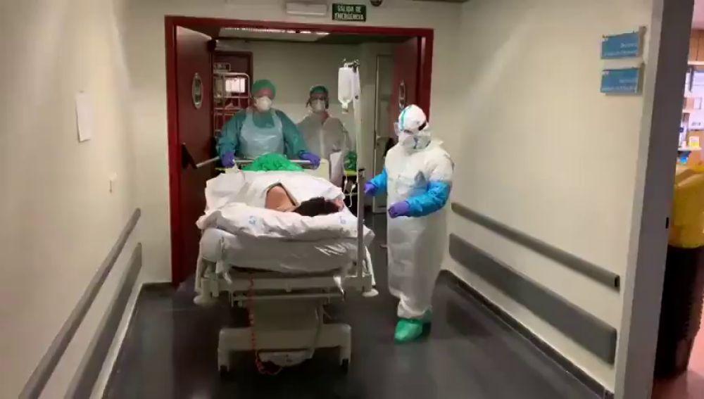 El Hospital Gregorio Marañón de Madrid da de alta de la UCI a su paciente con coronavirus más joven