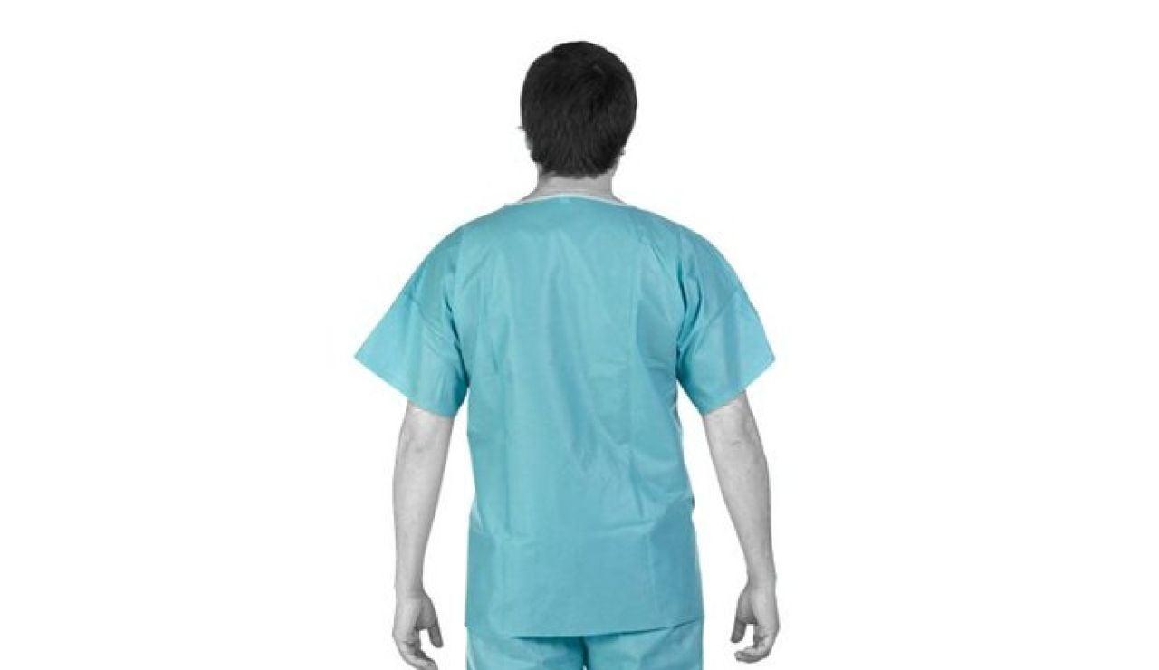 Los uniformes de médico donados