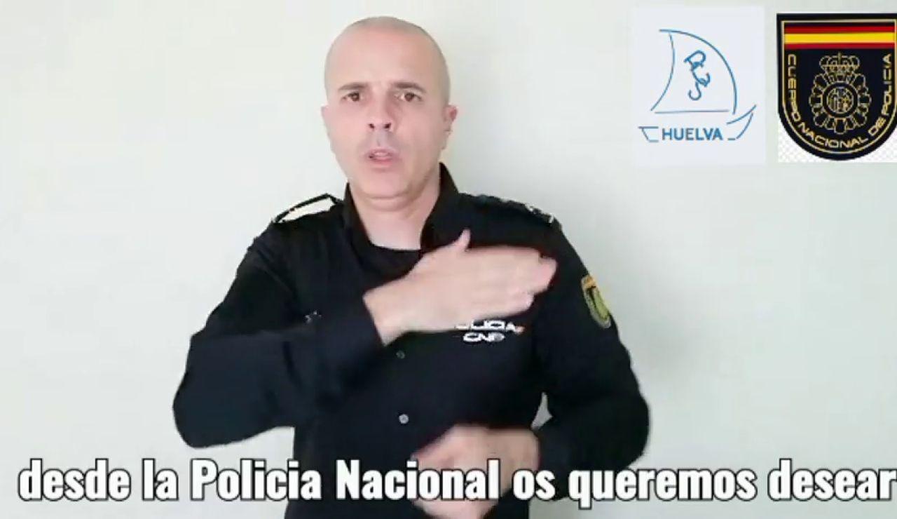 El vídeo del #QuédateEnCasa para frenar el coronavirus de la Policía Nacional en lengua de signos