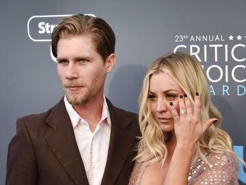 Kaley Cuoco y su marido, Karl Cook