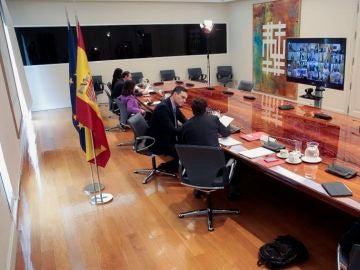 Lasexta noticias fin de semana (19-04-20) Pedro Sánchez anuncia un anticipo de 14.000 millones de euros para que las Comunidades Autónomas tengan liquidez