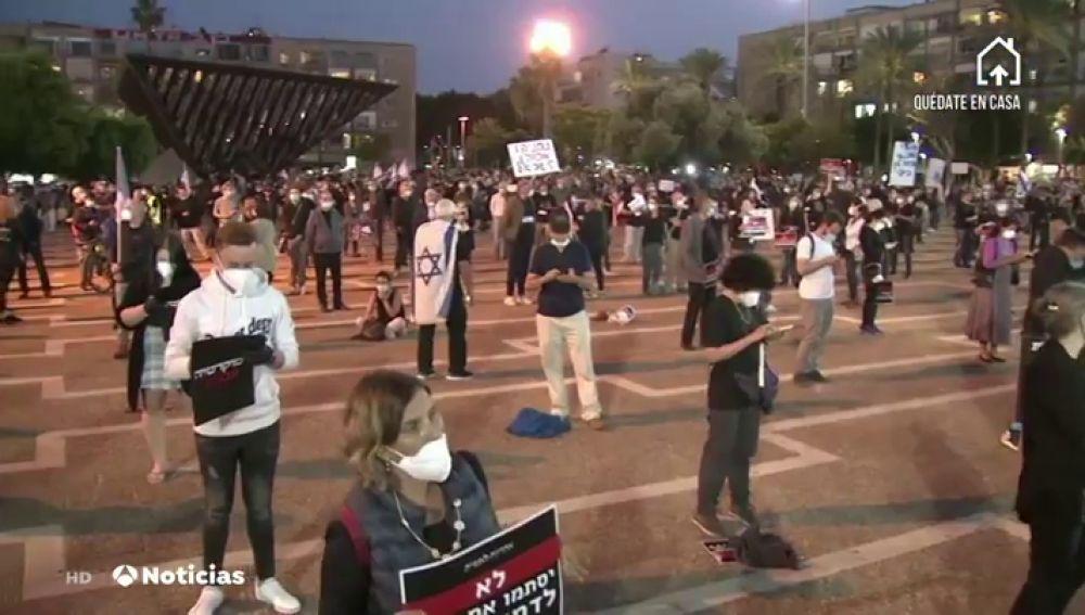 Miles de manifestantes en Israel protestan contra Netanyahu pero respetando la distancia recomendada por coronavirus