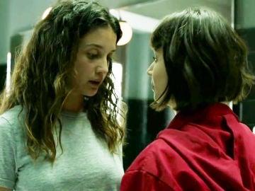 María Pedraza y Úrsula Coberó como Alison Parker y Tokio en 'La casa de papel'