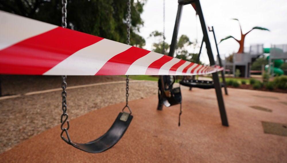 Un parque infantil cerrado