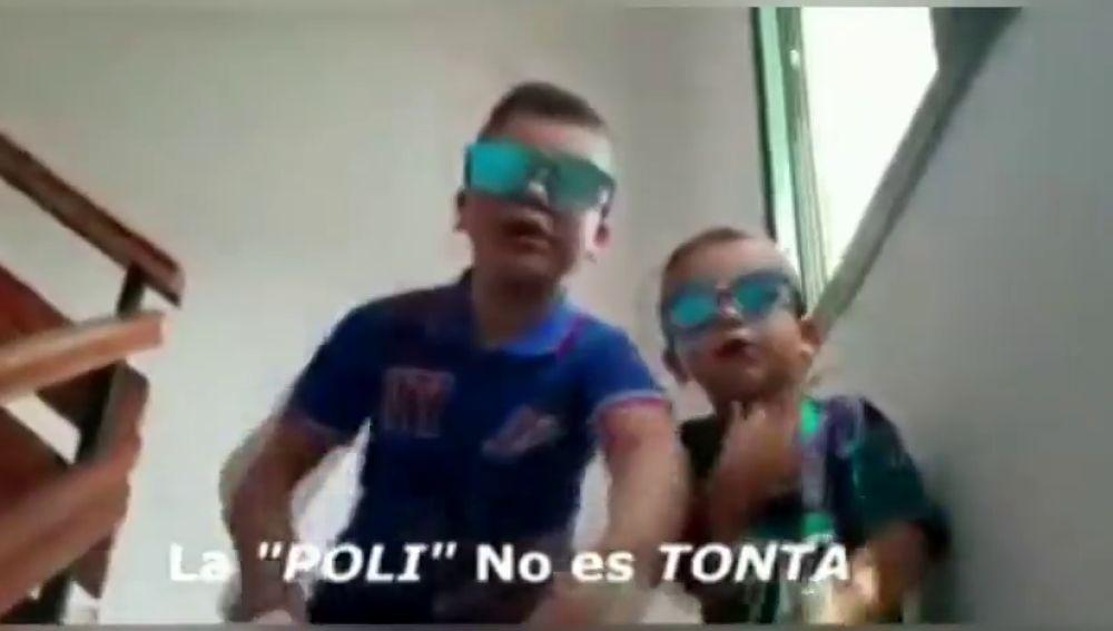 'Pandemia de inconscientes' es el rap compuesto en confinamiento por dos niños canarios para hacer frente al coronavirusde quedarse en casa frente al coronavirus