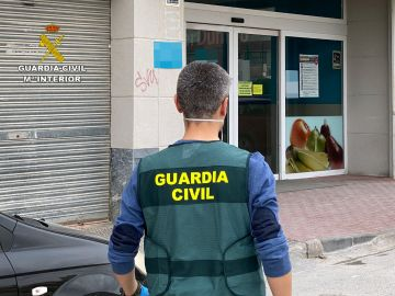 La Guardia Civil en el supermercado
