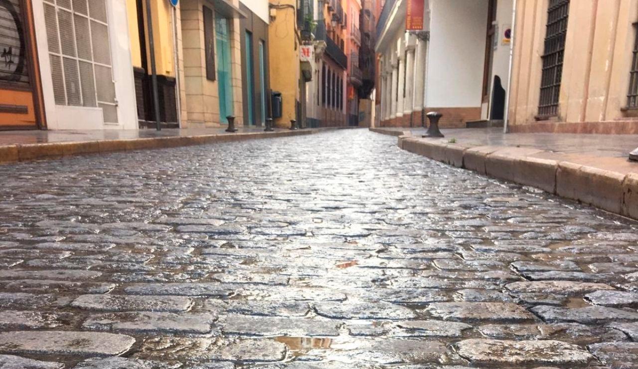Imagen de una calle vacía durante el estado de alarma