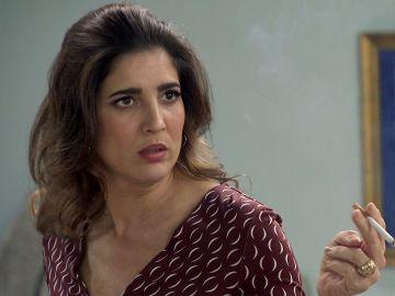Irene, indignada con Armando ante su cruel comportamiento por su embarazo
