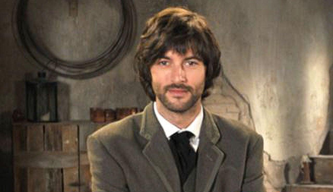 Javier Rey es Raúl Delgado