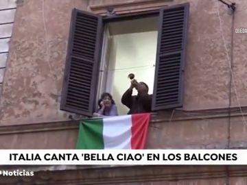 Los italianos entonan el 'Bella Ciao' confinados para celebrar el 75 aniversario de la liberación del fascismo