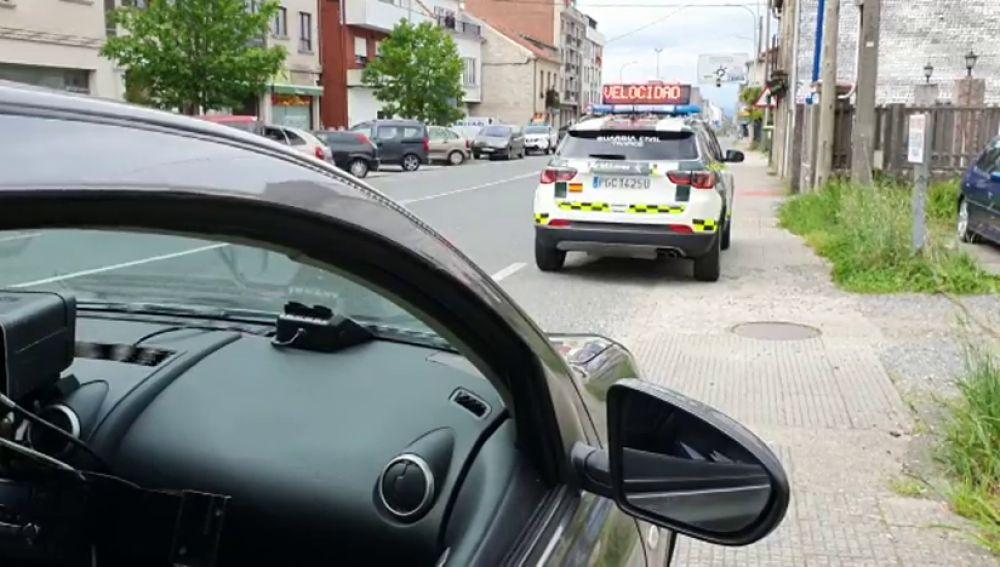 Cazado en Pontecesures un conductor que circulaba a 129 km/h en un tramo limitado a 50