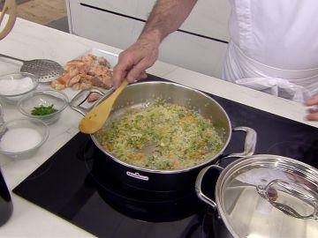 Karlos Arguiñano desvela el truco para conseguir la medida y el punto perfecto del arroz
