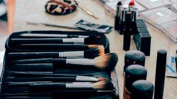 Cómo desinfectar los cosméticos y brochas