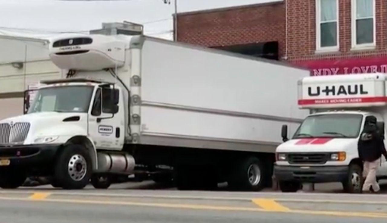 Encuentran dos camiones llenos de cuerpos sin vida en Nueva York