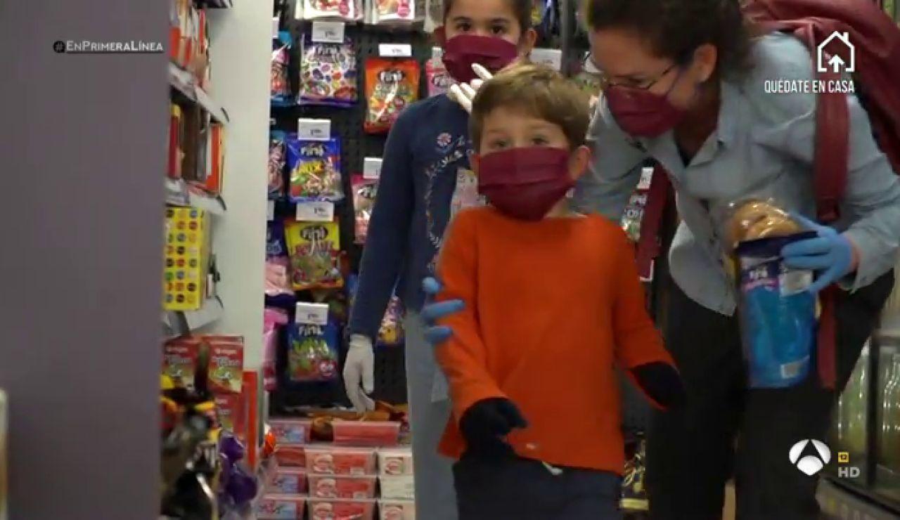 """Una madre relata el temor de sus niños al coronavirus: """"El primer día que los sacamos no querían cruzar la puerta de casa"""""""
