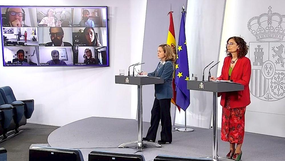 María Jesús Montero y Nadia Calviño durante una rueda de prensa