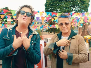 Carlos Vives y Alejandro Sanz en el vídeo de 'For Sale'
